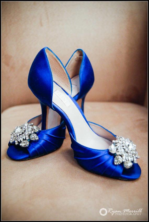 wedding details shoe something blue bride